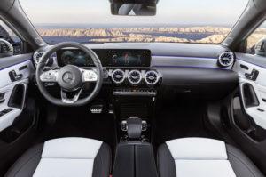Mercedes-Benz A Klasa 2018 wnętrze 1