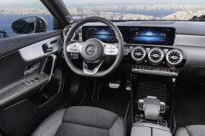Mercedes-Benz A Klasa 2018 wnętrze 2